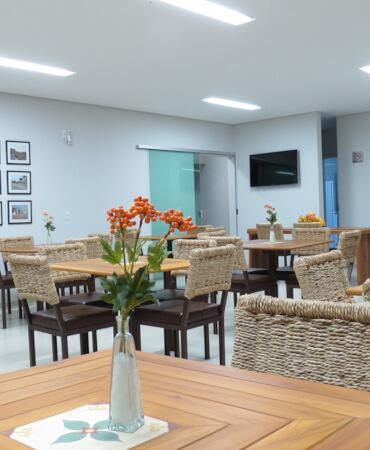 Cadeiras do Café da Manhã do Jequitiara Hotel em Itaobim MG