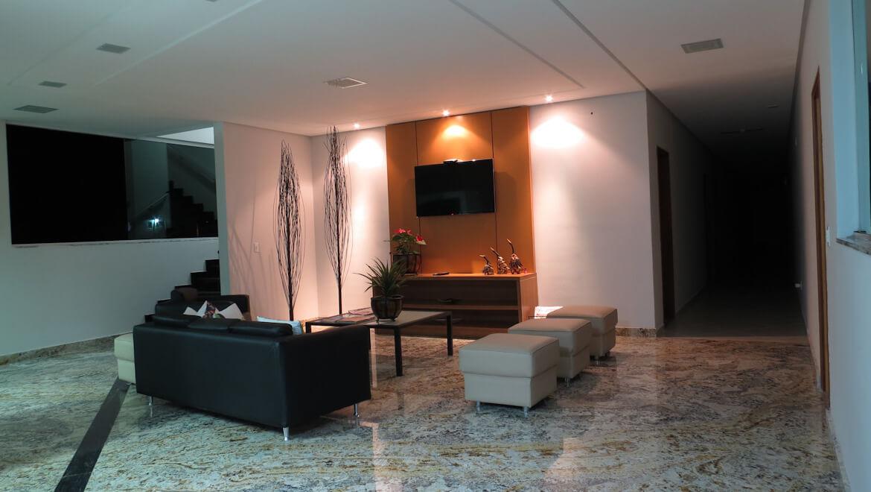 Espaço Social na Recepção do Jequitiara Hotel em Itaobim MG