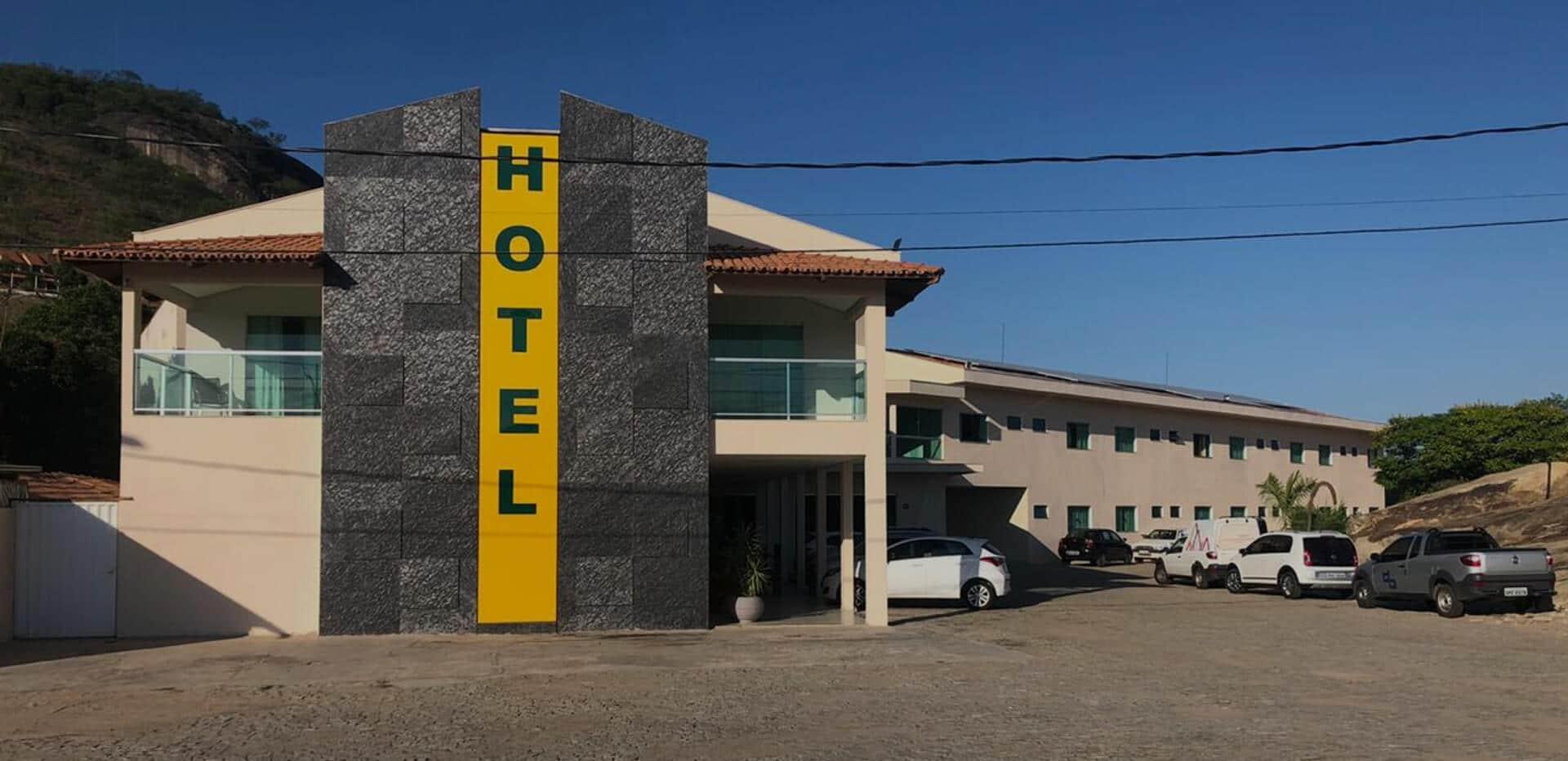Fachada do Jequitiara Hotel em Itaobim MG